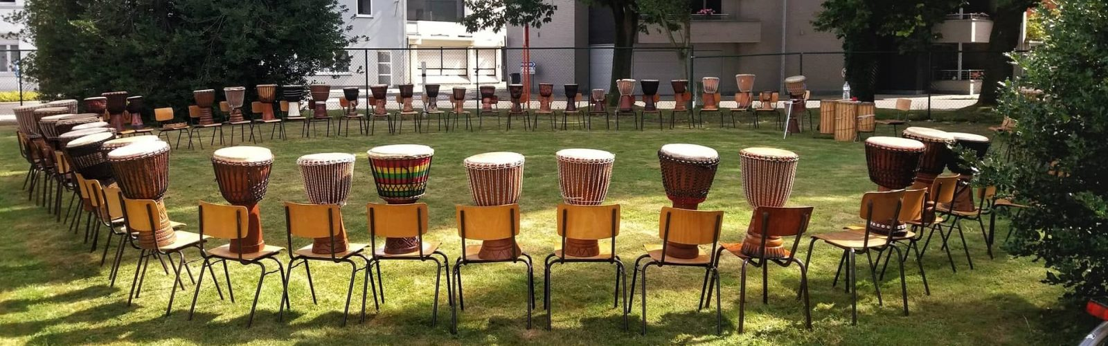 teambuilding incentives workshops op locatie vrijgezellen lessen percussie djembe